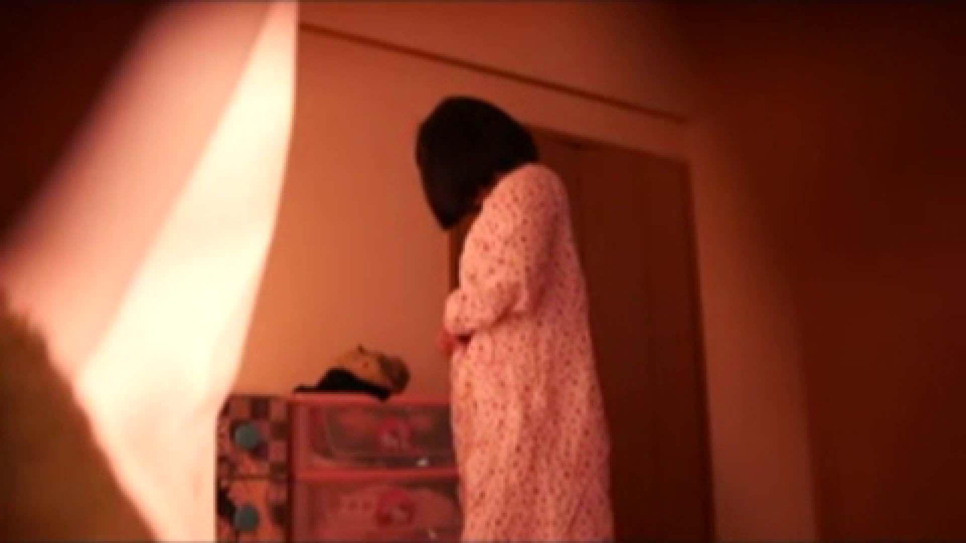 無修正エロ動画|vol.2 まりこさんのお着替え、就寝前の映像です。|怪盗ジョーカー