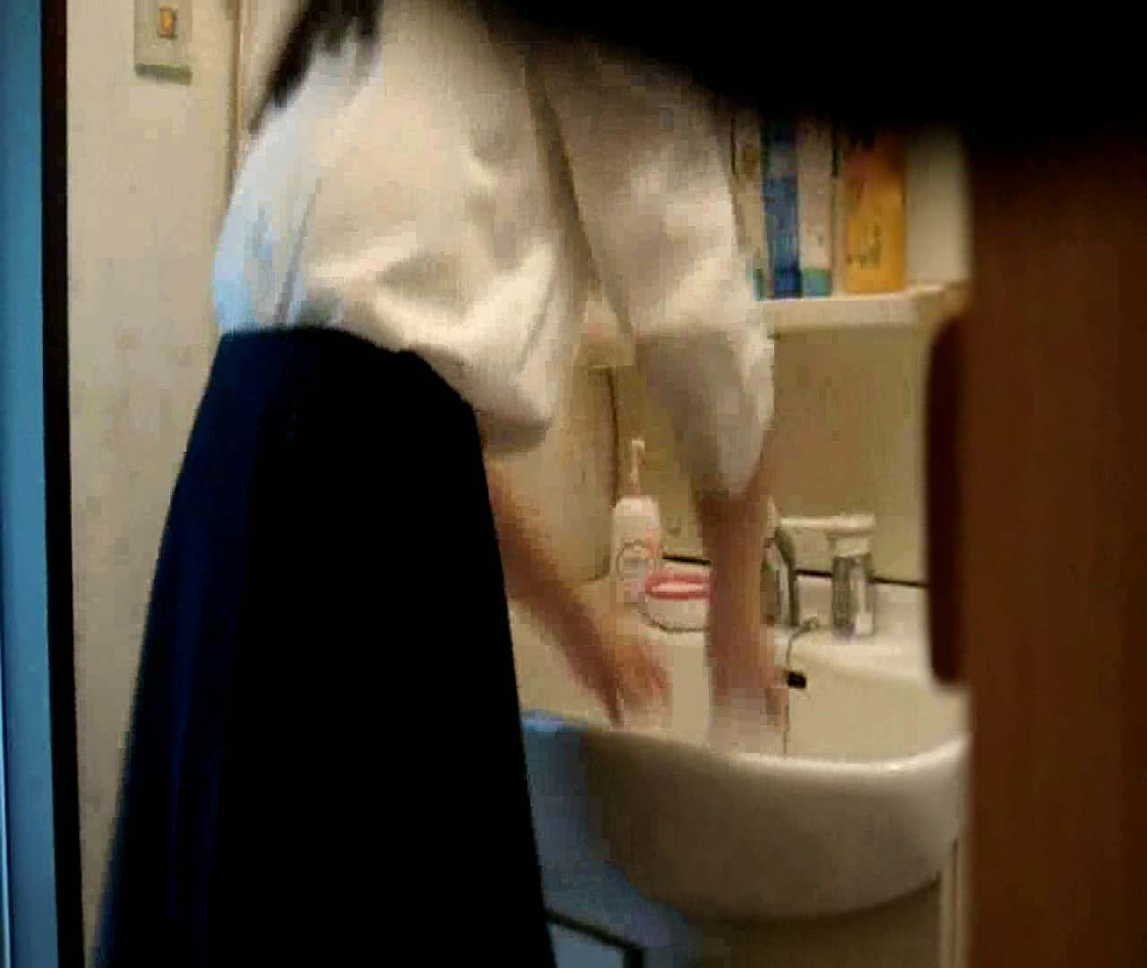 無修正エロ動画|vol.5 まどかが帰宅後の洗顔後にブラを洗ってます。|怪盗ジョーカー