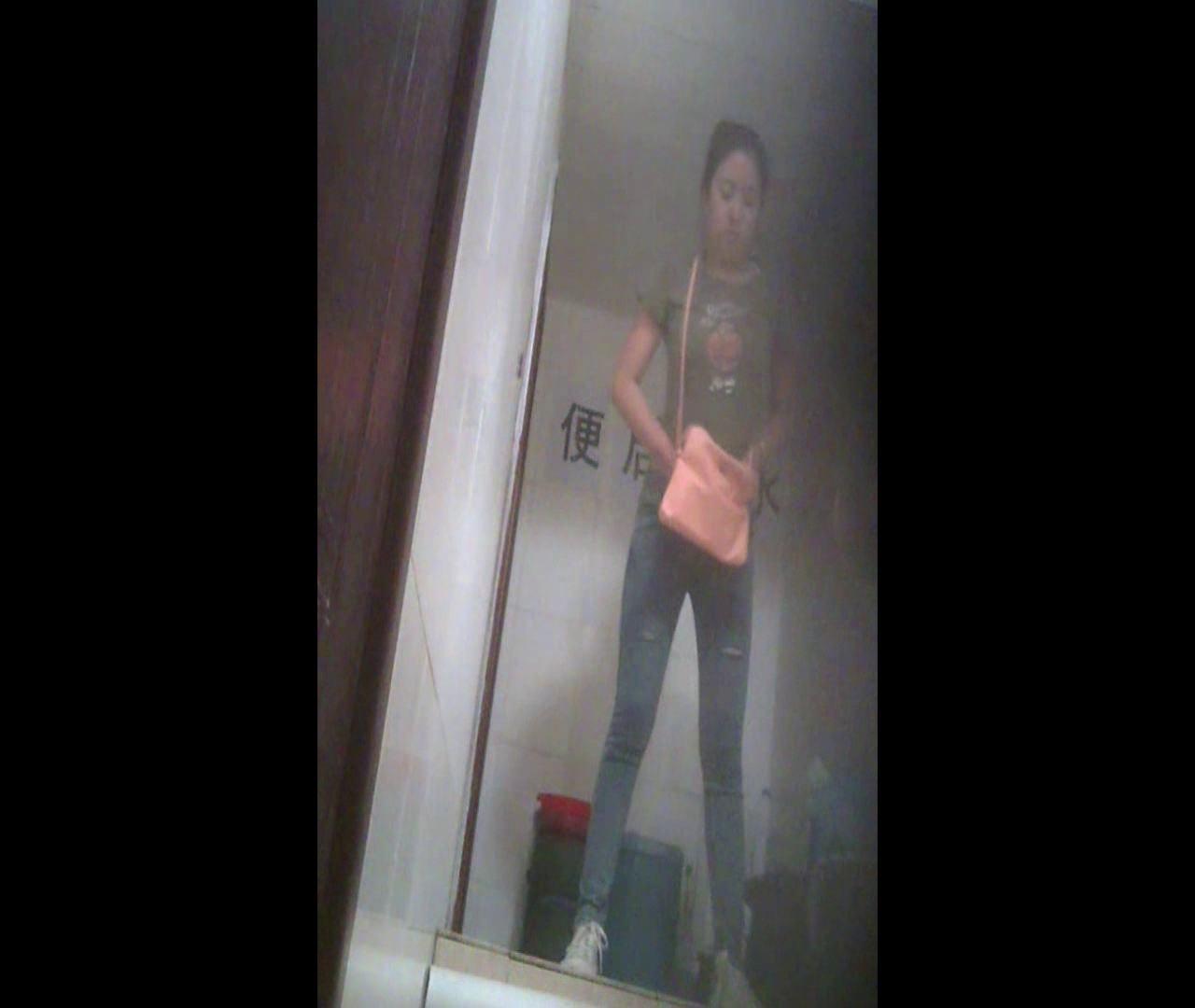 無修正エロ動画|Vol.07 ワンサイズ小さめのデニムかっちゃいました。|怪盗ジョーカー