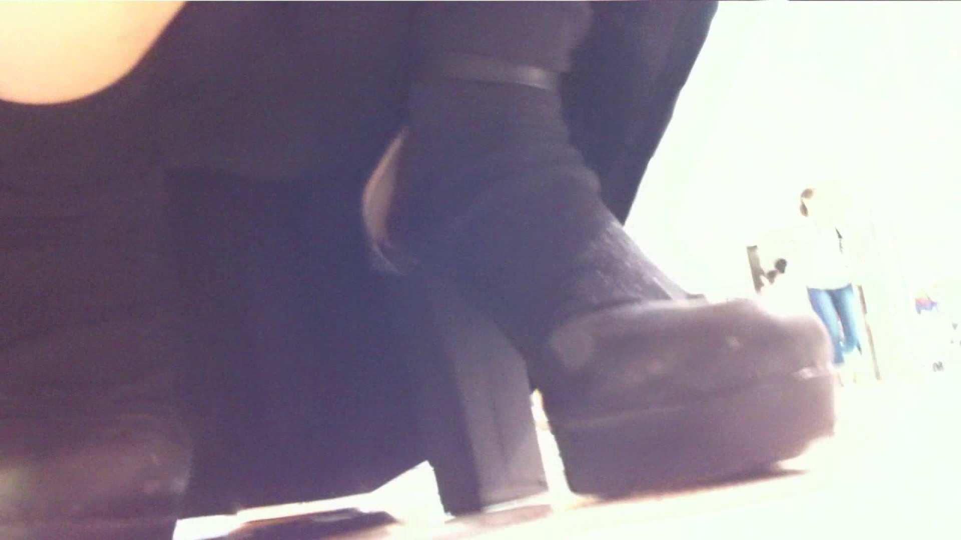 vol.38 美人アパレル胸チラ&パンチラ いい感じに食い込んでます 接写 盗み撮りオマンコ動画キャプチャ 91画像 28