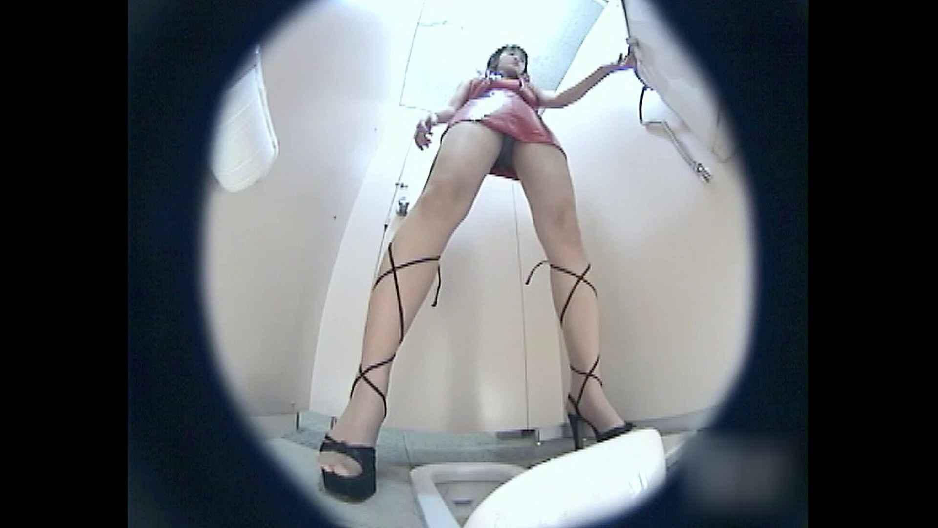 レースクィーントイレ盗撮!Vol.03 トイレ 盗撮戯れ無修正画像 109画像 73