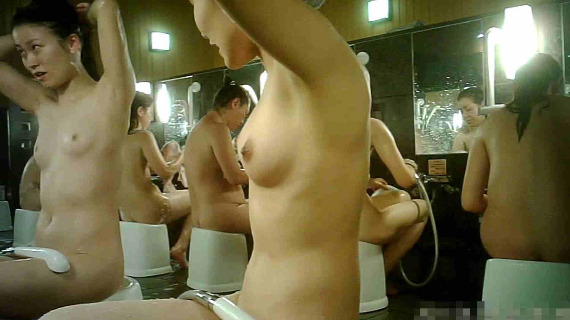 手を染めてしまった女性盗撮師の女風呂潜入記 vol.003 脱衣所 のぞきエロ無料画像 61画像 13