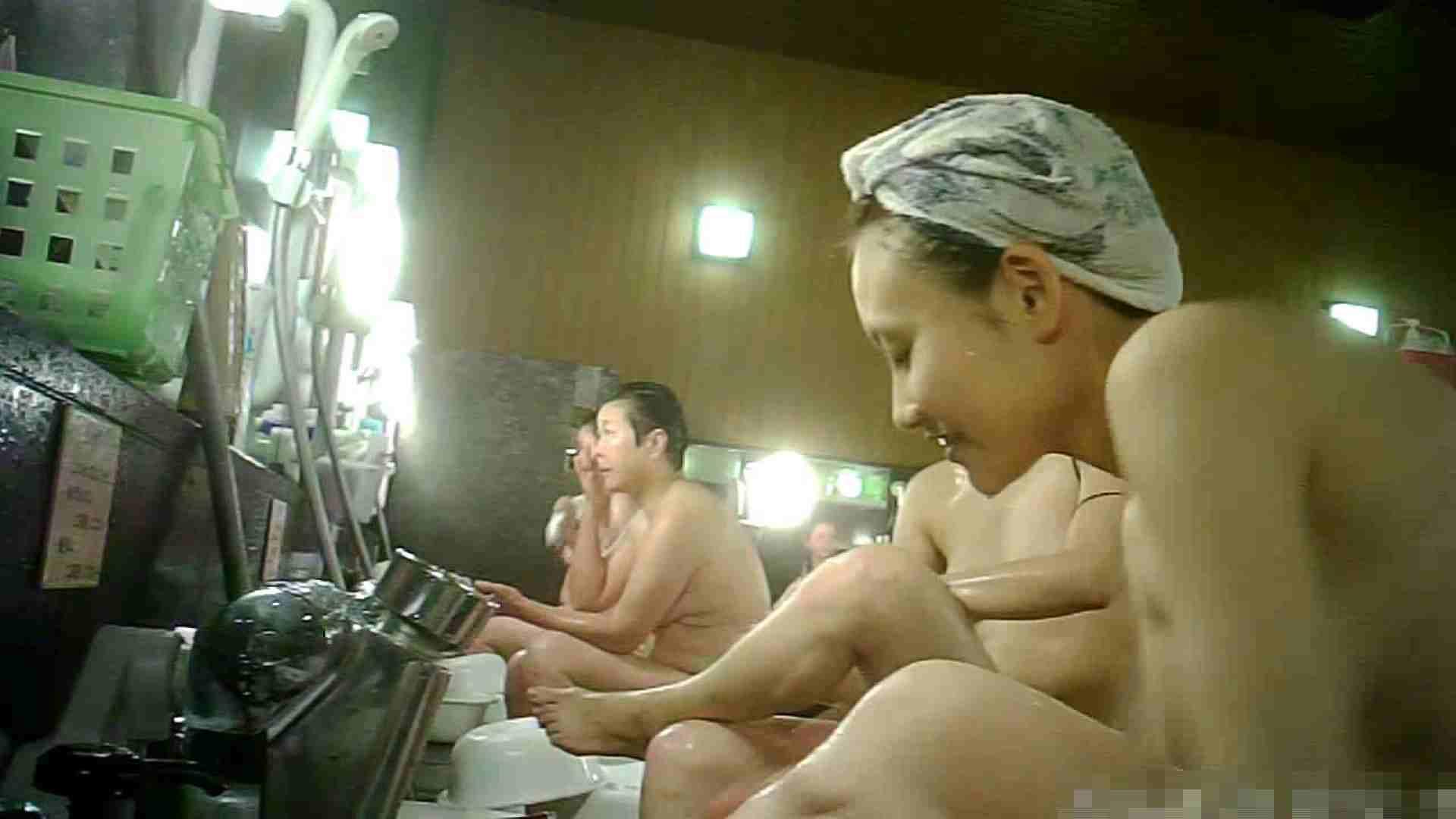 手を染めてしまった女性盗撮師の女風呂潜入記 vol.003 脱衣所 のぞきエロ無料画像 61画像 48