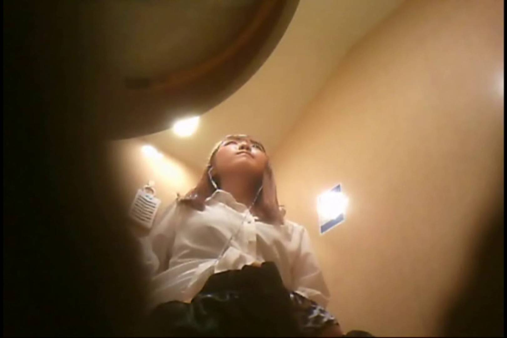 潜入!!女子化粧室盗撮~絶対見られたくない時間~vo,108 お姉さんヌード | 盗撮  68画像 53