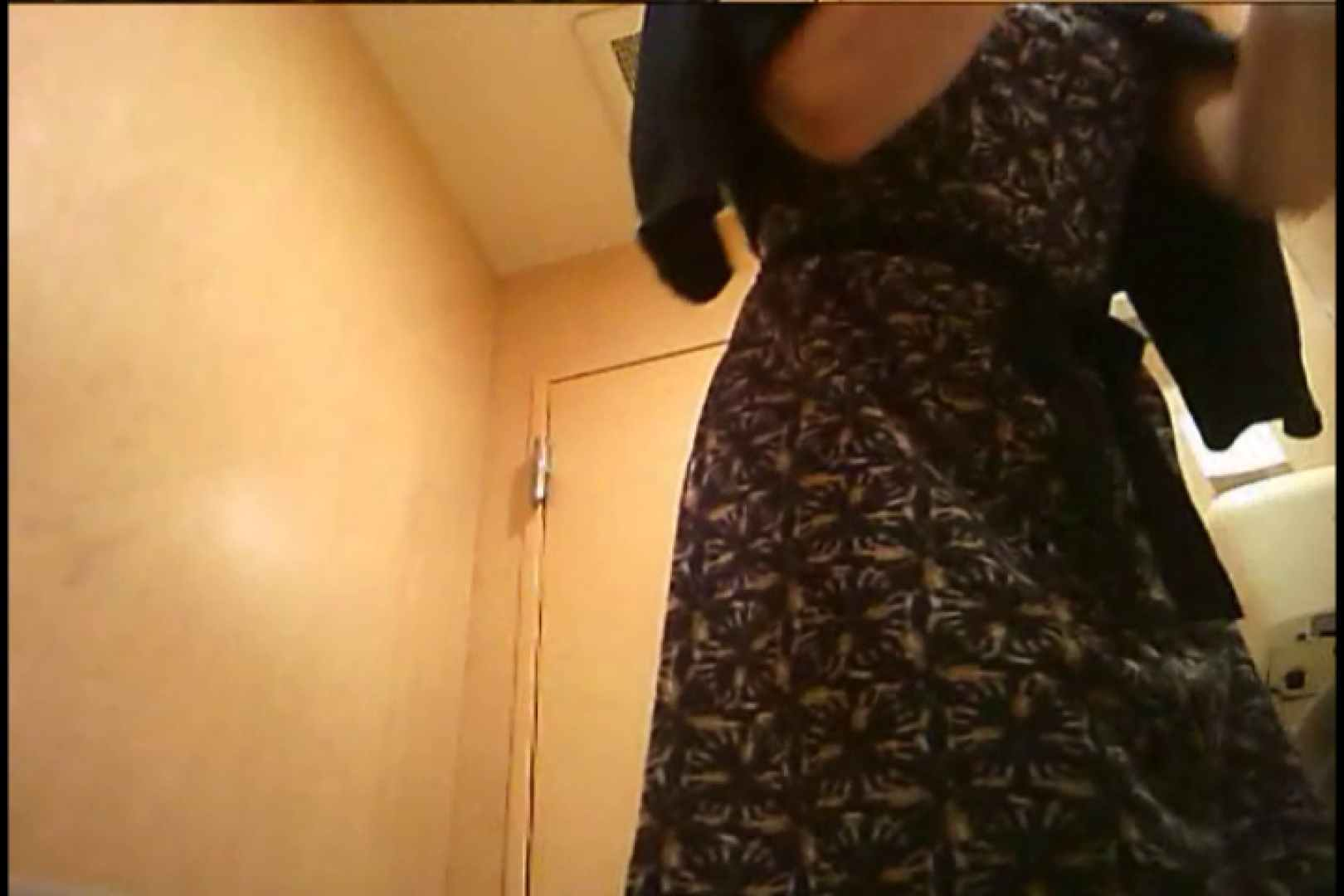 潜入!!女子化粧室盗撮~絶対見られたくない時間~vo,93 お姉さんヌード  109画像 40