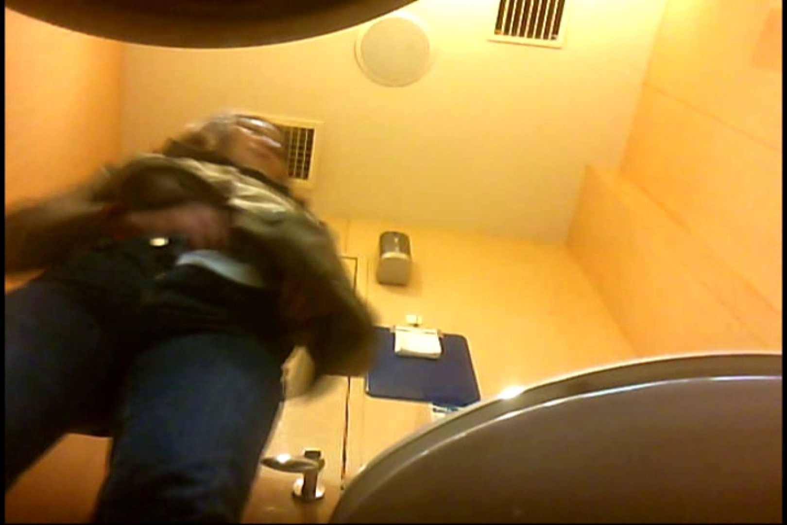 実録!魂の女子化粧室盗撮!!~隠れ潜む特殊カメラ~vo,04 熟女  102画像 12