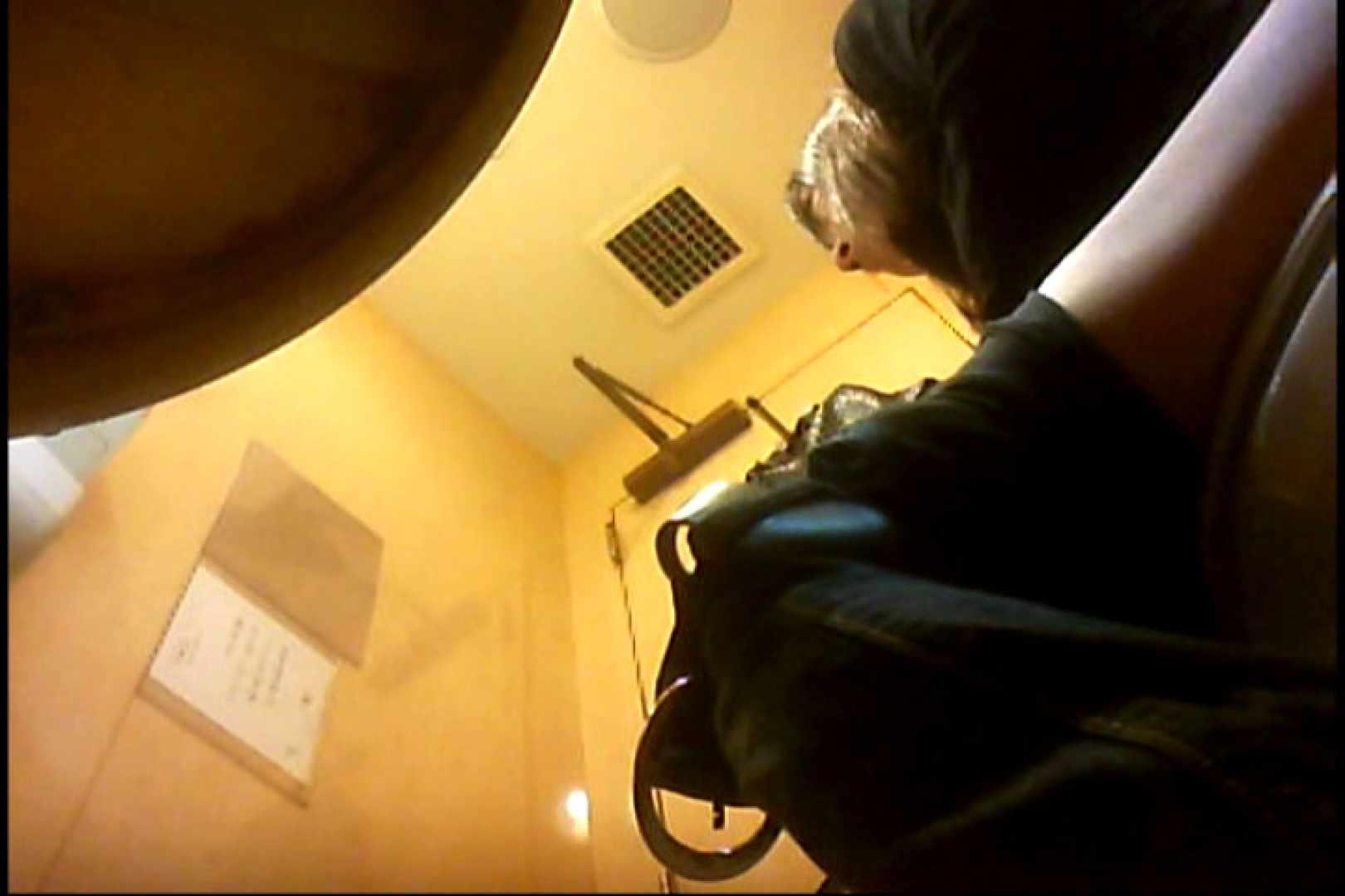 実録!魂の女子化粧室盗撮!!~隠れ潜む特殊カメラ~vo,04 熟女 | 盗撮  102画像 69