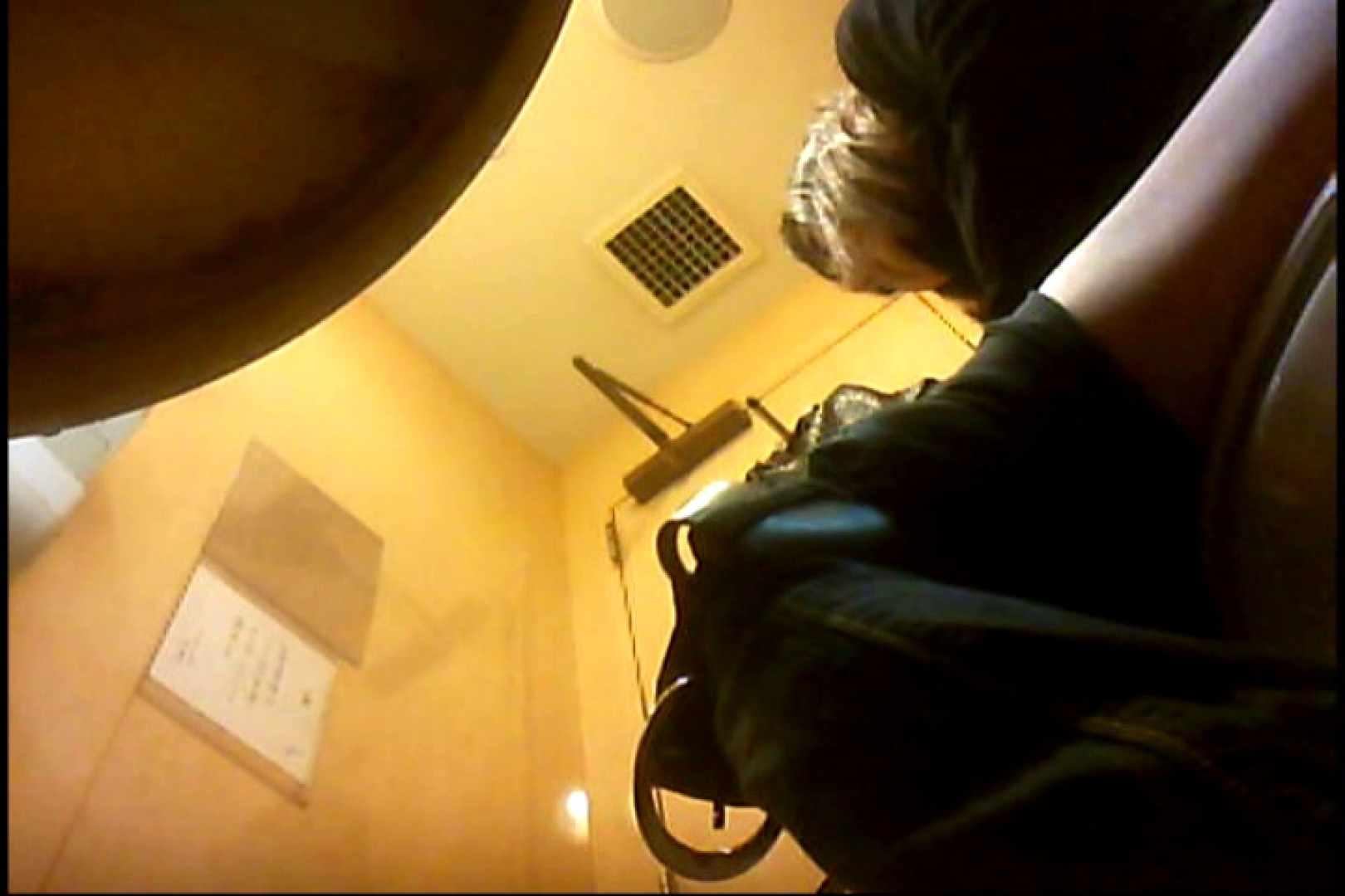 実録!魂の女子化粧室盗撮!!~隠れ潜む特殊カメラ~vo,04 熟女  102画像 70