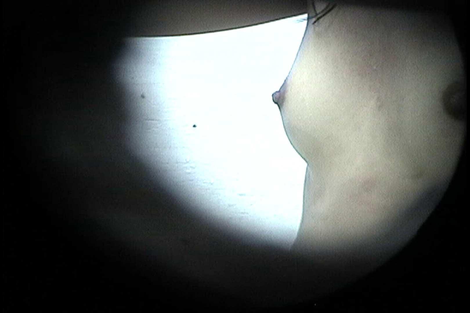No.24 ビキニの割には陰毛は獰猛、ハミ毛が心配 接写  108画像 40