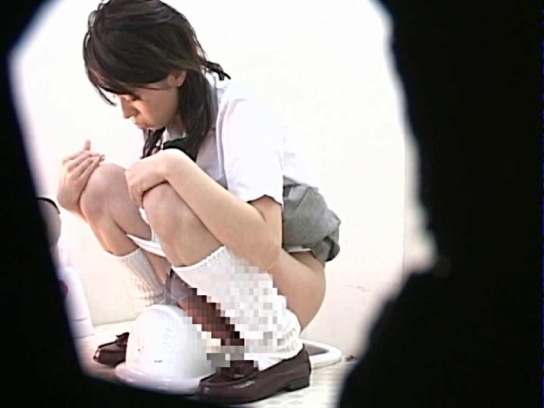 M字開脚制服女子を真下から盗撮! 盗撮 | 肛門  109画像 6