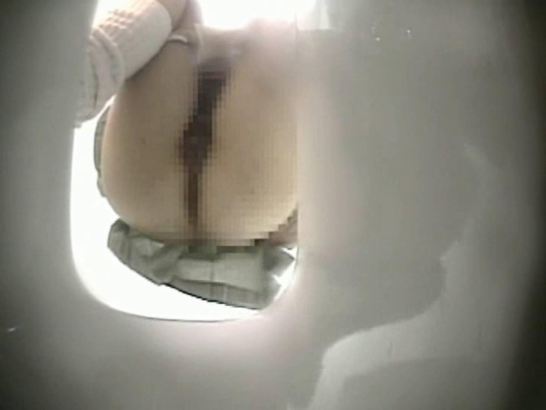M字開脚制服女子を真下から盗撮! 厠 盗み撮り動画キャプチャ 109画像 87