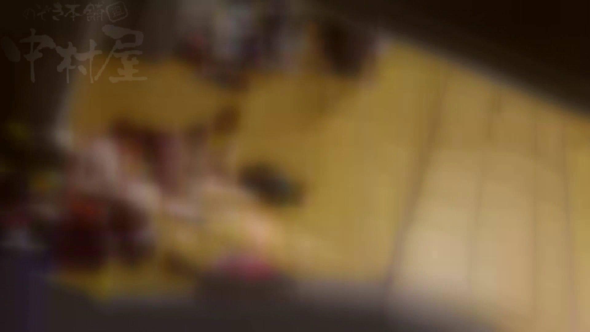 マンコ丸見え!第三体育館潜入撮File001 女子トイレ 盗撮ヌード画像 90画像 25