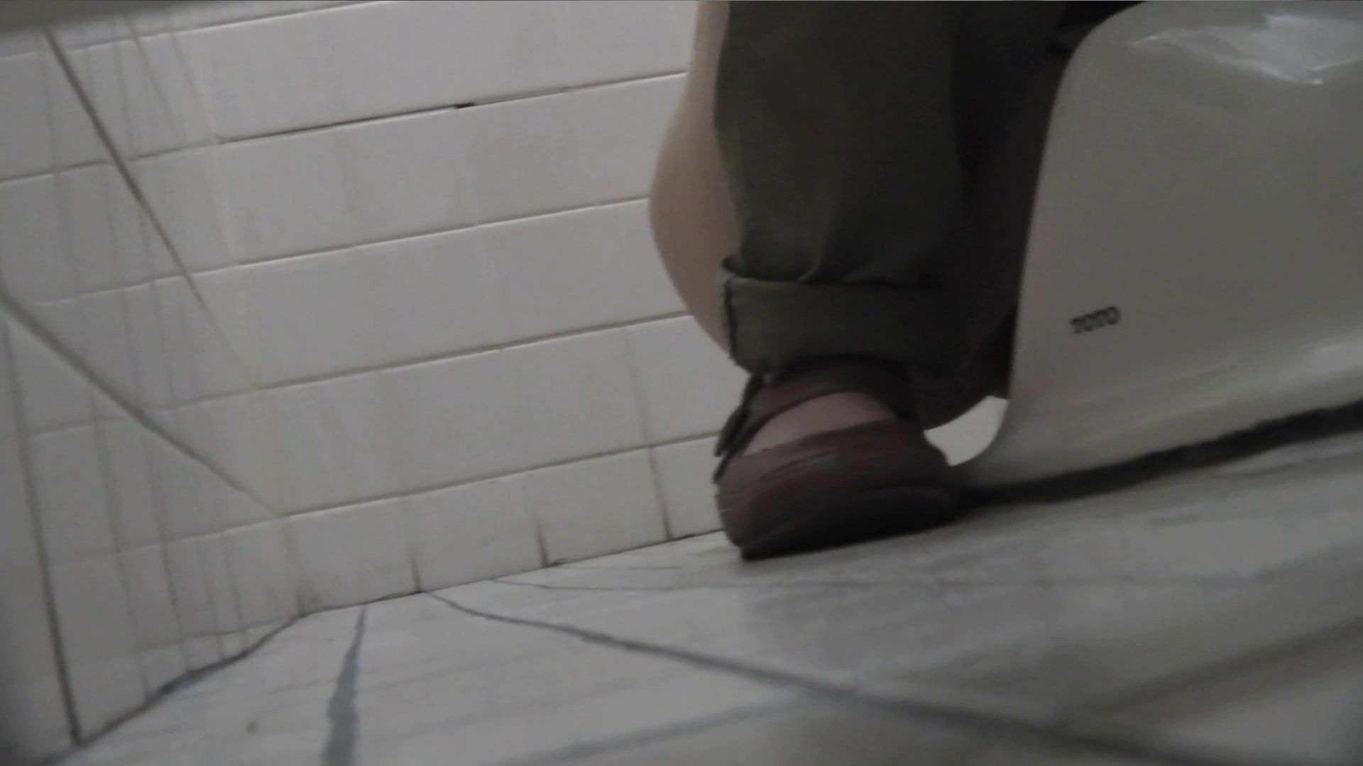 vol.09 命がけ潜伏洗面所! 残念!パンツについちゃいました。 プライベート 盗撮エロ画像 105画像 55