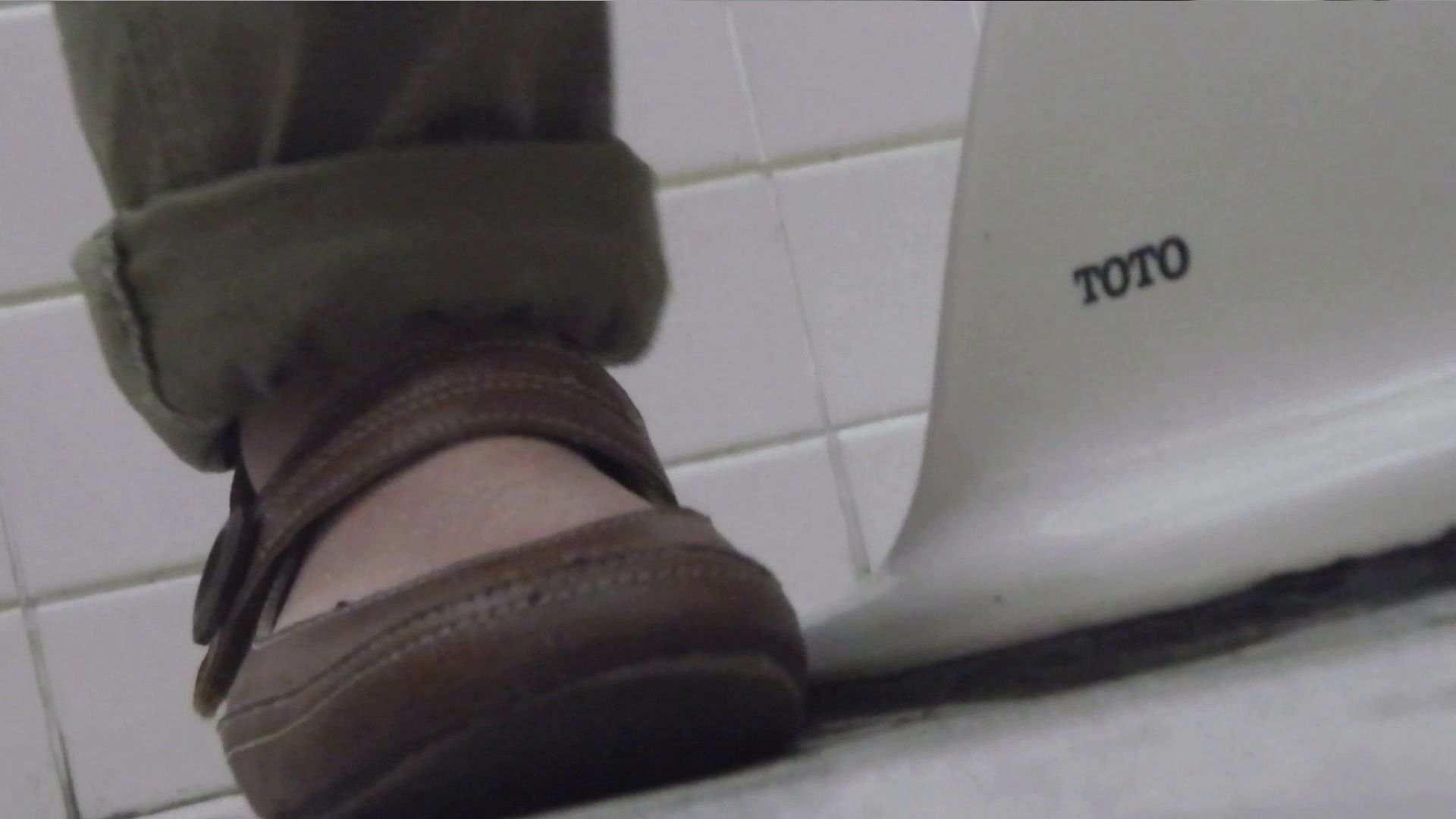vol.09 命がけ潜伏洗面所! 残念!パンツについちゃいました。 プライベート 盗撮エロ画像 105画像 59