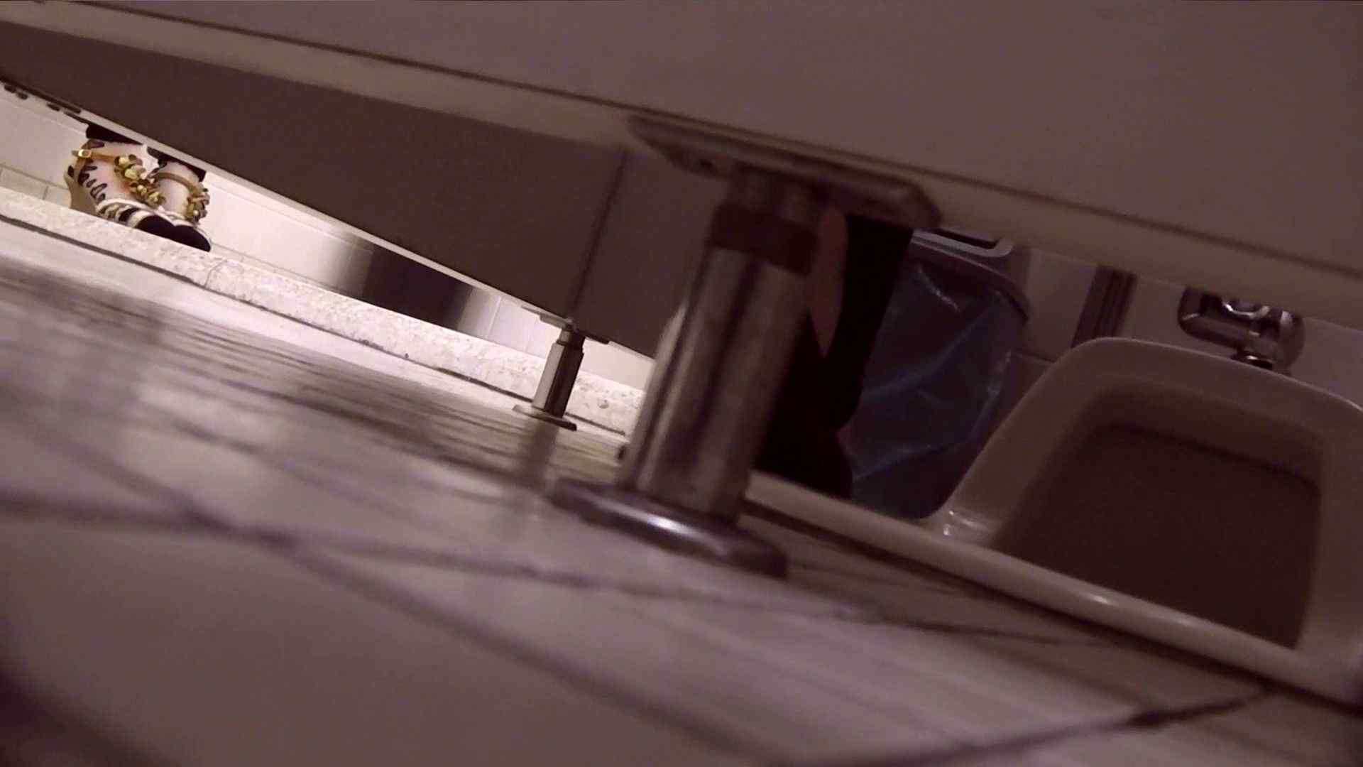vol.15 命がけ潜伏洗面所! 肌荒れ注意報!! プライベート 隠し撮りすけべAV動画紹介 102画像 35