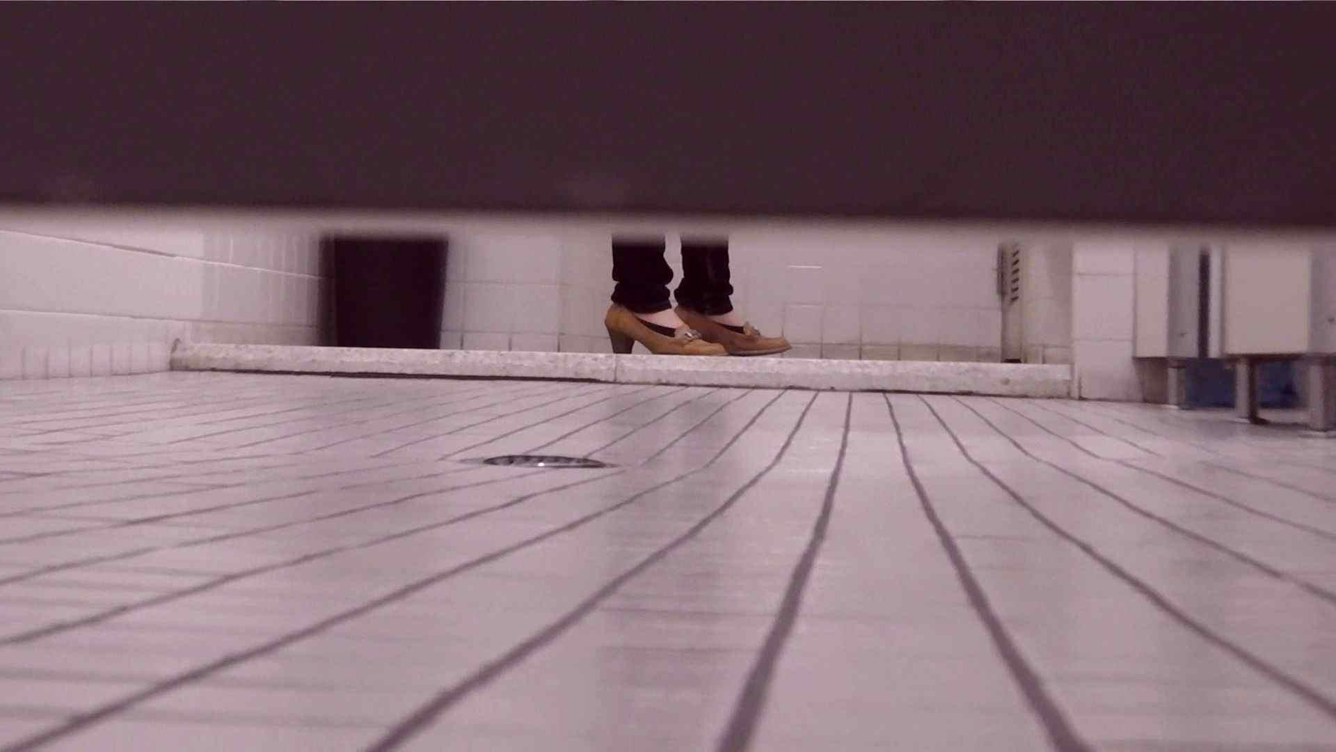 vol.17 命がけ潜伏洗面所! 張り裂けんばかりの大物 プライベート 盗撮ワレメ無修正動画無料 108画像 59