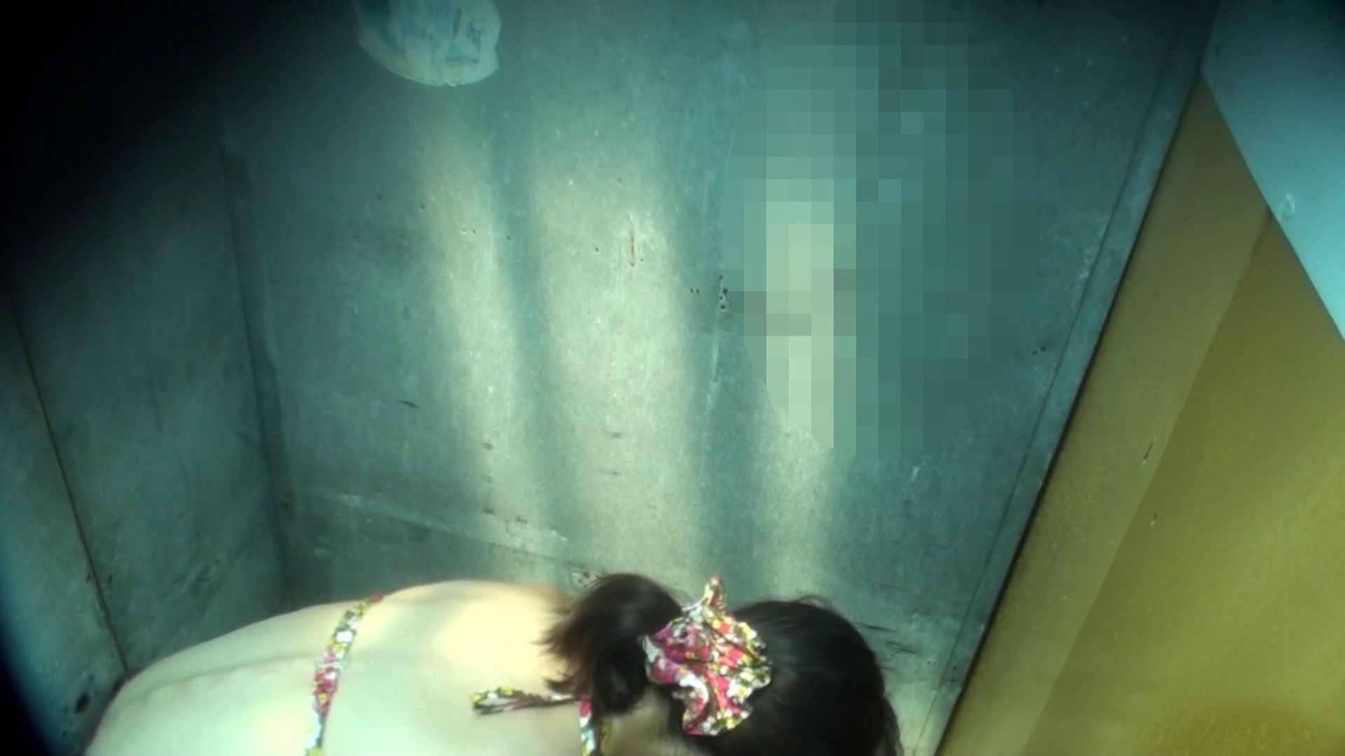 無修正エロ動画|シャワールームは超!!危険な香りVol.16 意外に乳首は年増のそれ|ピープフォックス(盗撮狐)