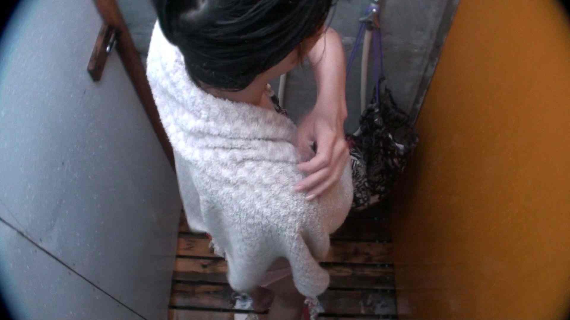 無修正エロ動画|シャワールームは超!!危険な香りVol.21 オメメぱっちり貧乳ギャル鼻くそほじっても可愛いです|ピープフォックス(盗撮狐)