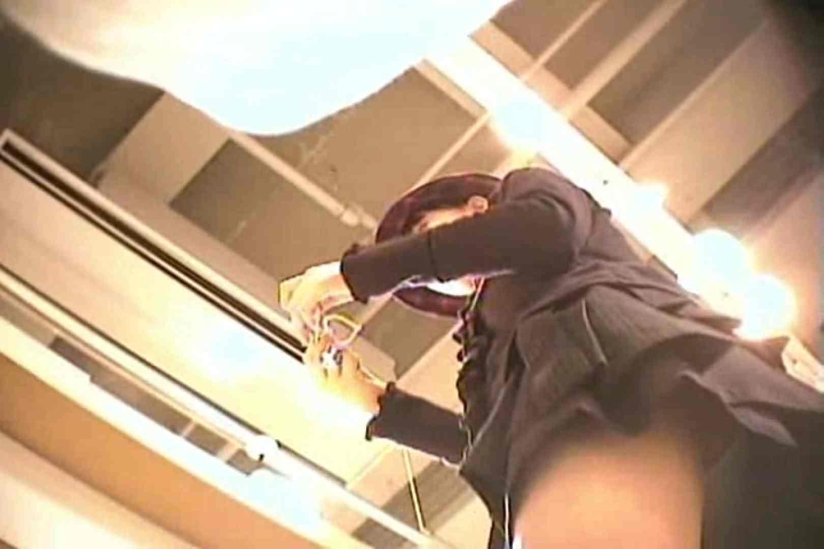 デパートローアングル徘徊 靴カメ盗撮Vol.10 お姉さんヌード  86画像 56
