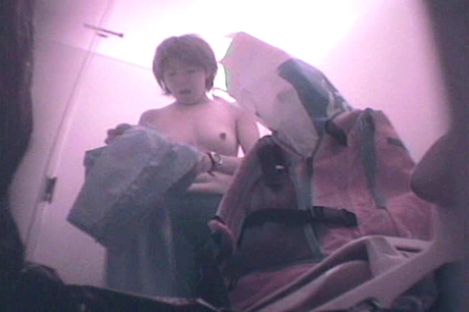 無修正エロ動画|陸上部洗面所Vol.1|ピープフォックス(盗撮狐)