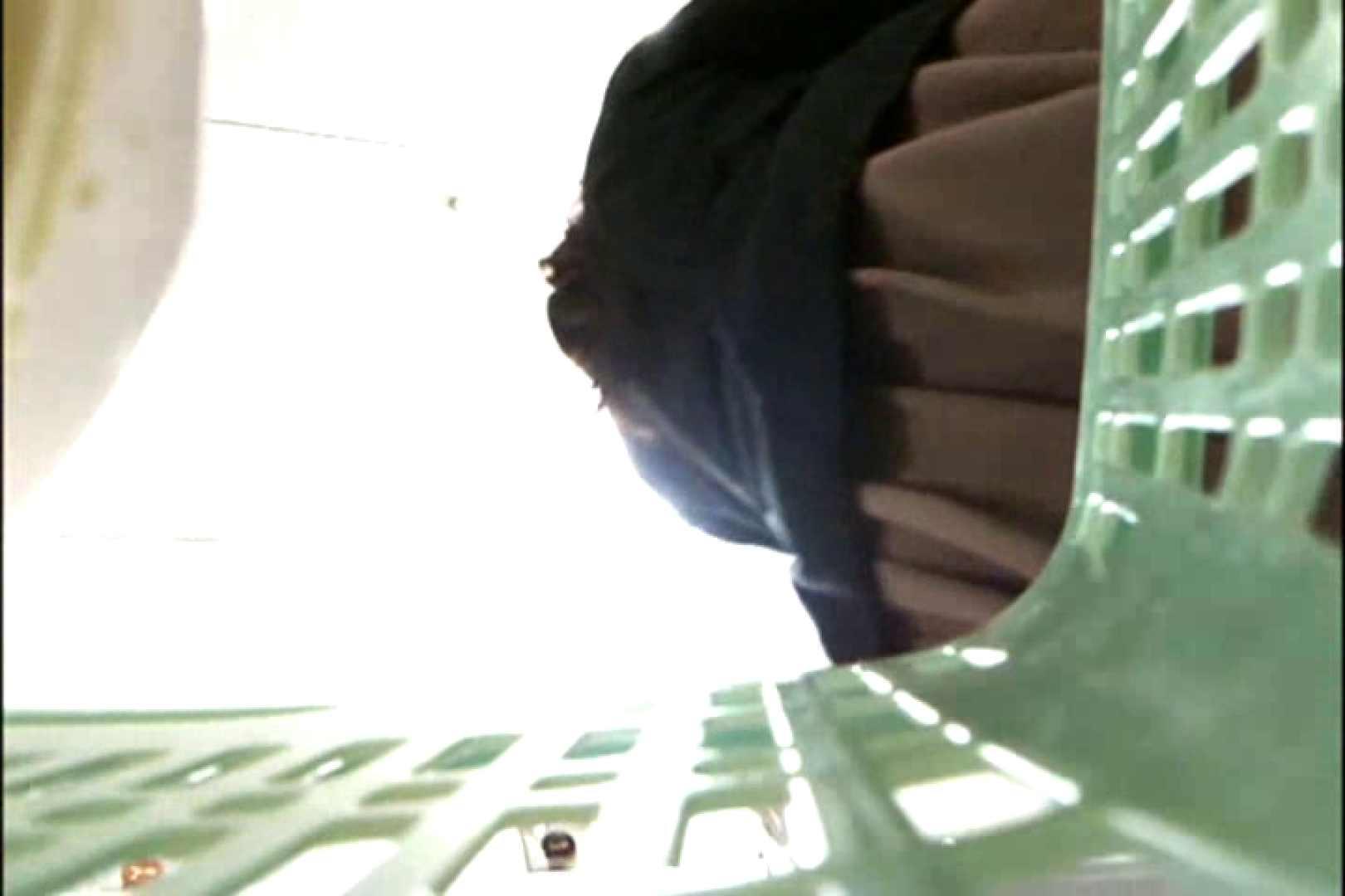 奥さん!おもいっきり生パンツVol.1 パンチラ オマンコ動画キャプチャ 83画像 53