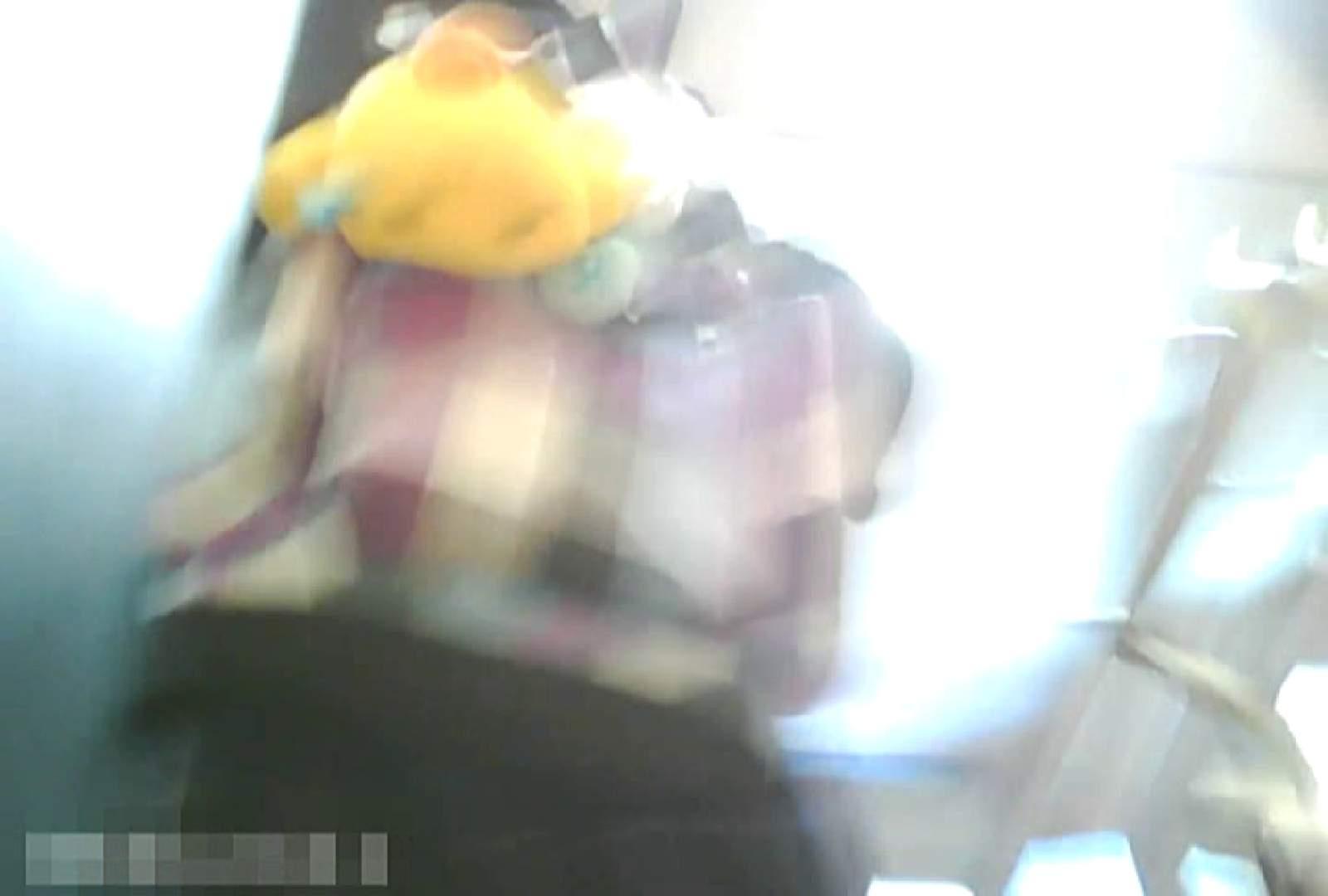 「チキン男」さんの制服ウォッチングVol.5 学校 盗み撮りオマンコ動画キャプチャ 98画像 35