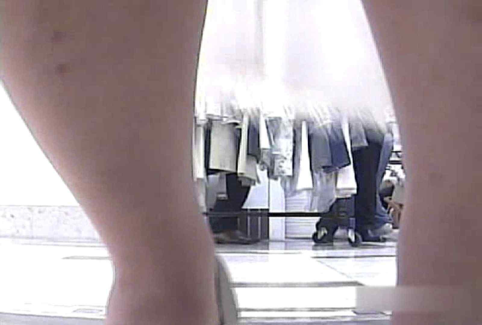 ショップ店員のパンチラアクシデント Vol.22 美女ヌード | チラ  87画像 61